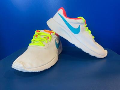 Nike Tanjun (GS) US5Y (818384 1100)(New with Box) (EC1638)