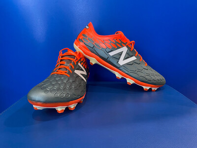 New Balance boots US12 (New in Box ) (EC1671)