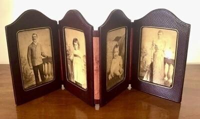 Reise quadriptych Fotorahmen für 4 Fotos Faltrahmen um  1900 in Leder perfekter Zustand, folding photoframe