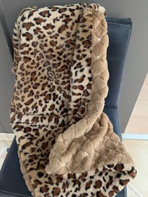 Eh Gia Blanket-Hazelnut met leopard