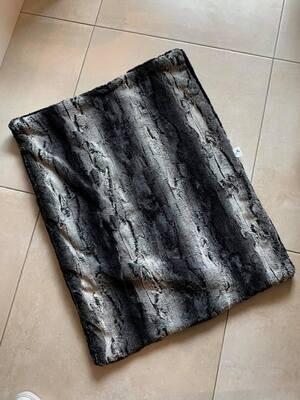 Eh Gia blanket- chincilla grey