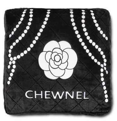 Chewnel black bed