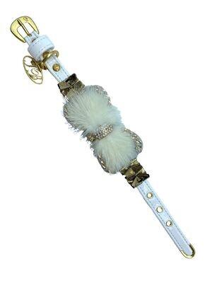 Avery White collar