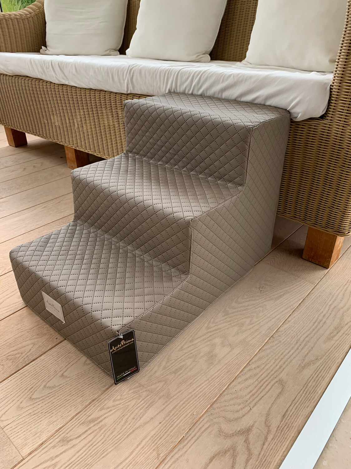 Venere stair Quitled Taupe