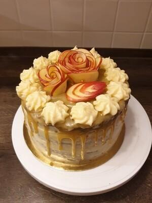 Apfel-Haselnuss-Torte mit Salzkaramell