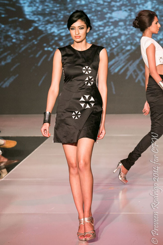 Lasercut short detailed dress