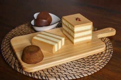 Single Box: Signature Gula Melaka Layer Cake  正宗马六甲椰糖口味(单盒)