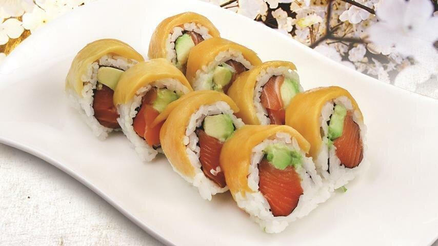 Mango Salmon Avocado Roll