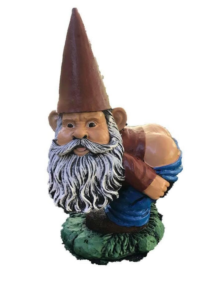 Mooning Gnome