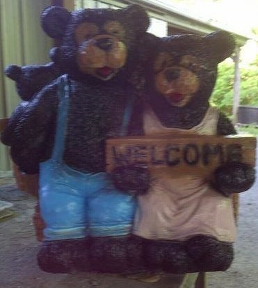 Ma & Pa Welcome Bear