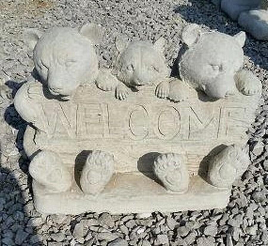 Welcome Bears w/ Coon