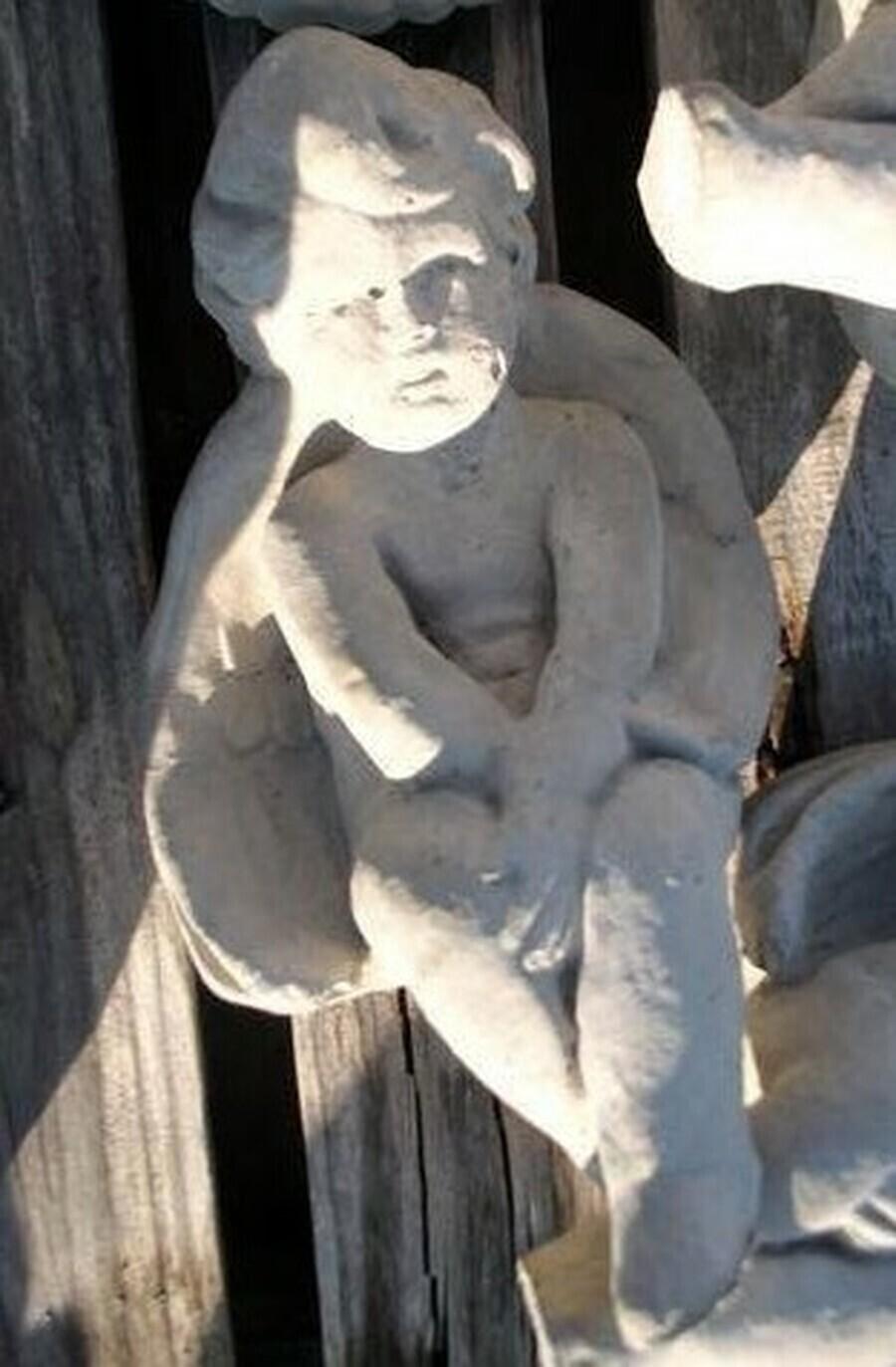 Sm. Ledge Angel