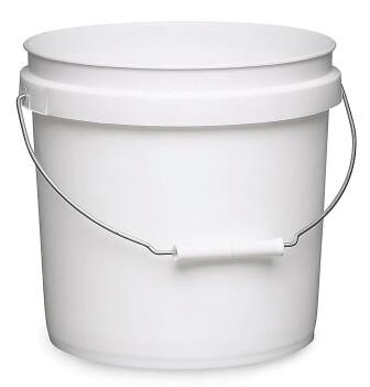2 Gallon Bucket & Lids