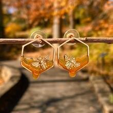Dripping Honey Gold Bee Earring