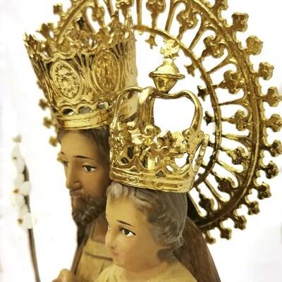 Figura de San José de la Montaña en tonos madera