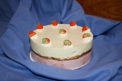 Strawberry & Vanilla Ice Cream Cake