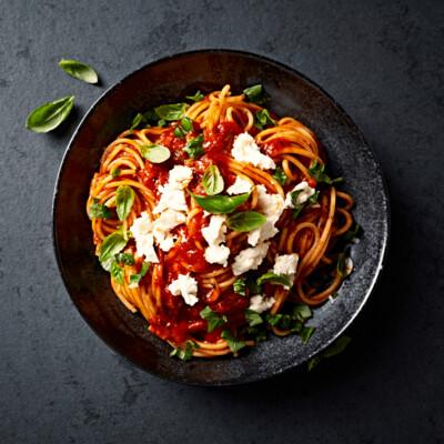 SAMPLE. Spaghetti with fresh mozzarella