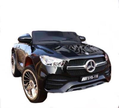 Mersedess Benz 118 черный