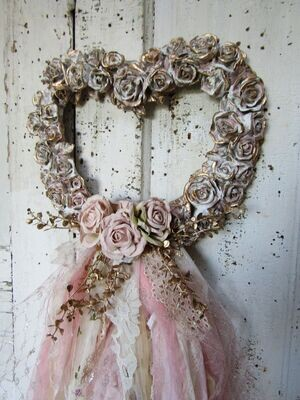 Large resin heart wall decor or picture frame with lace and roses