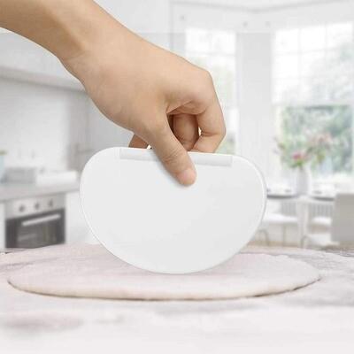 Plastic D Shape Scraper Dough Spatula Pizza Cake Chopping Tool