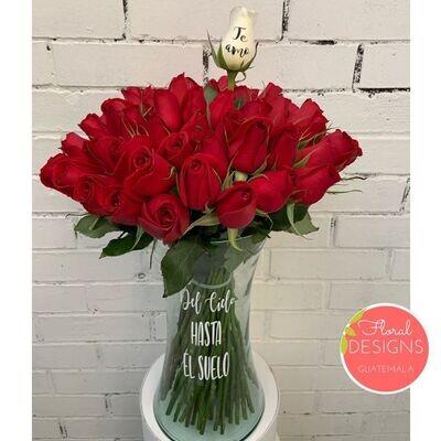 Bouquet de 60 rosas en cilindro personalizado
