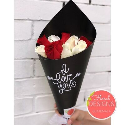 Bouquet de 12 rosas personalizado