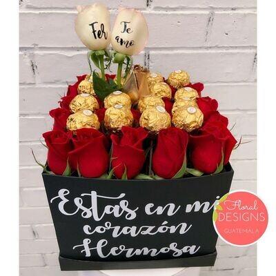 Caja de 25 rosas personalizadas Ferrero