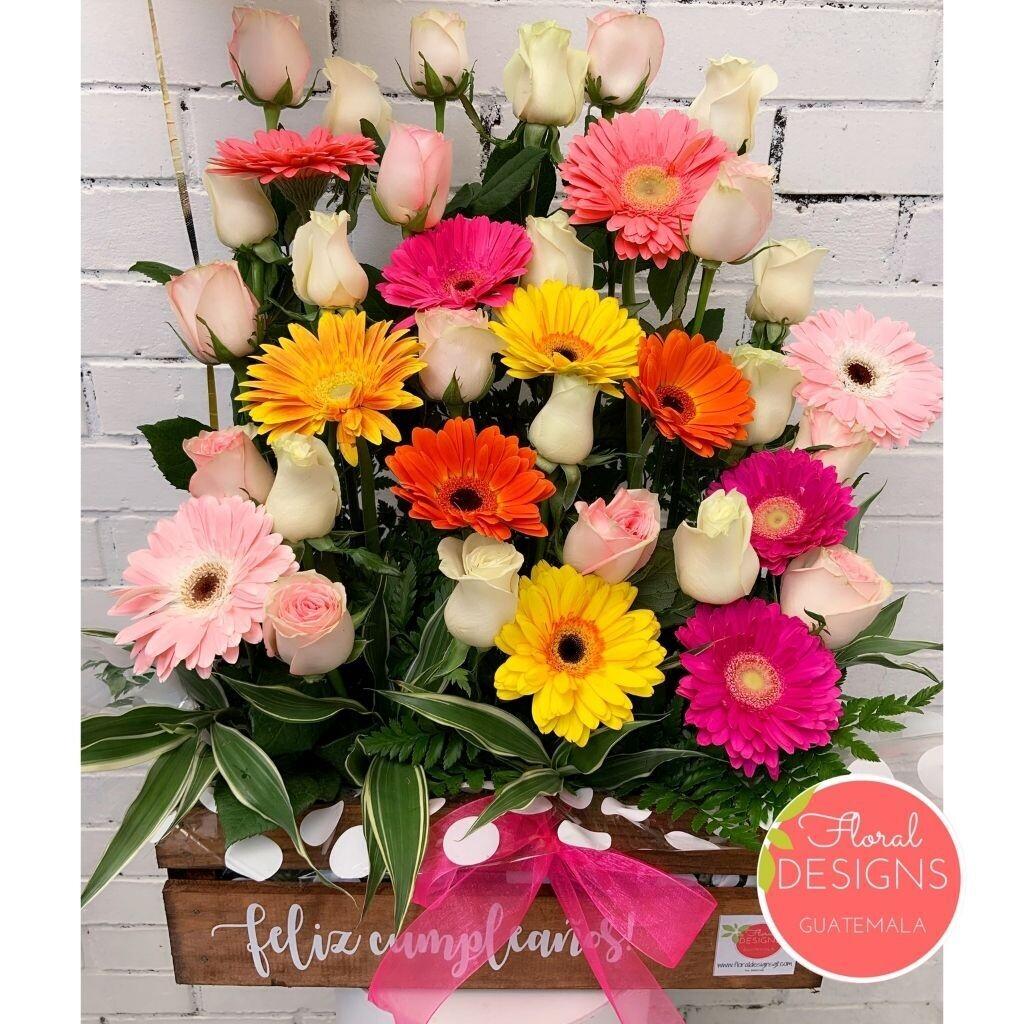 Caja rustica de flores mixtas