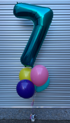 Megaloon with 4 balloons bouquet