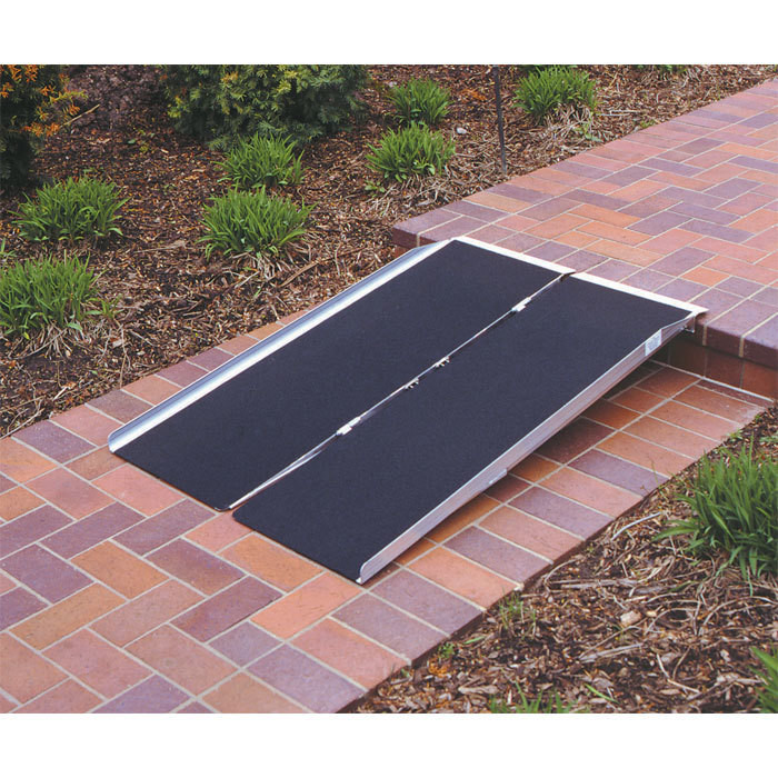 Prairie View Industries 5 ft Singlefold Wheelchair Ramp