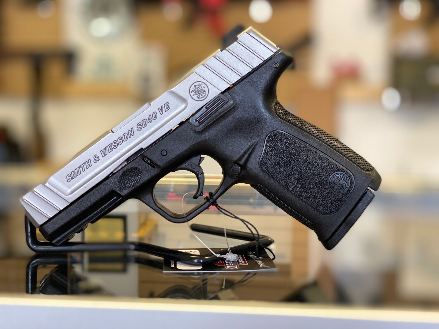 SMITH AND WESSON SD40 VE .40