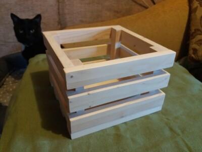 Деревянный, декоративный ящик из реек