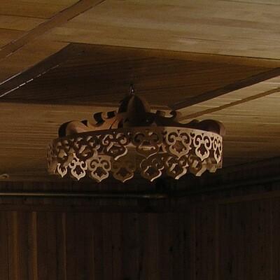 Деревянная, декоративная резная люстра