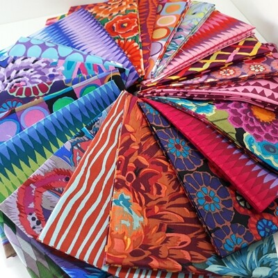 15432 Kaffe Fassett Collective Fat Quarter Bundle Night