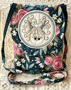 45831 Girly shoulder bag pattern $10