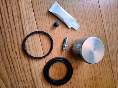 Front Brake Piston and Seal Kit Murena