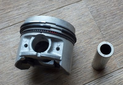 Mahle Pistons for 1442 Engine +0.40 Oversize