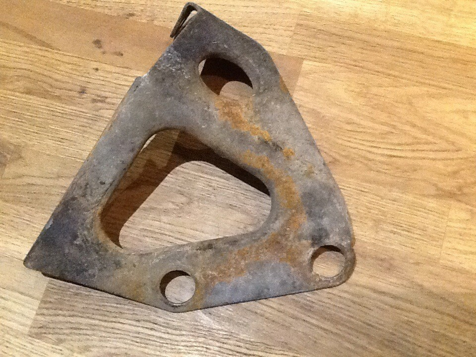Silencer Bracket Murena 1.6 - used