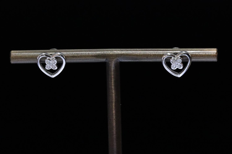 Solitaire Stud Xo Earrings