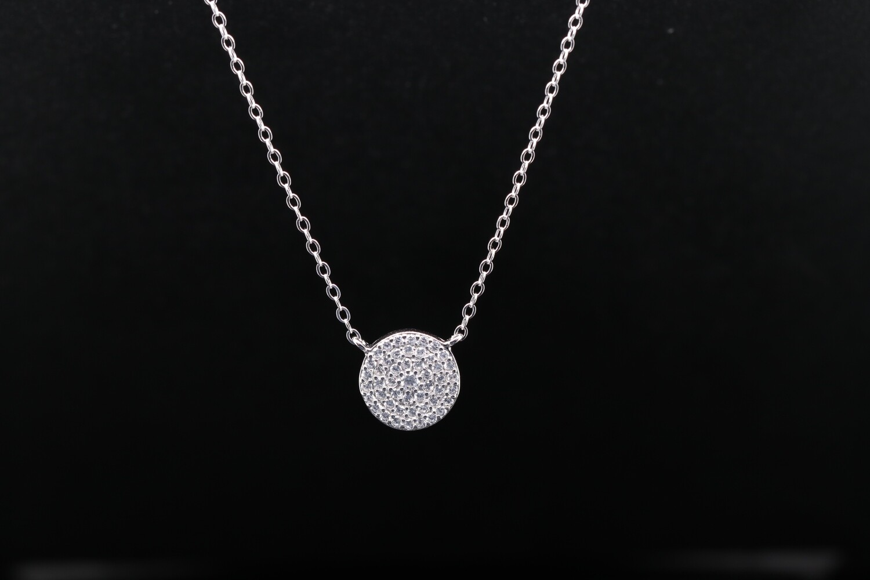 Solitaire Charming Pendant Necklace