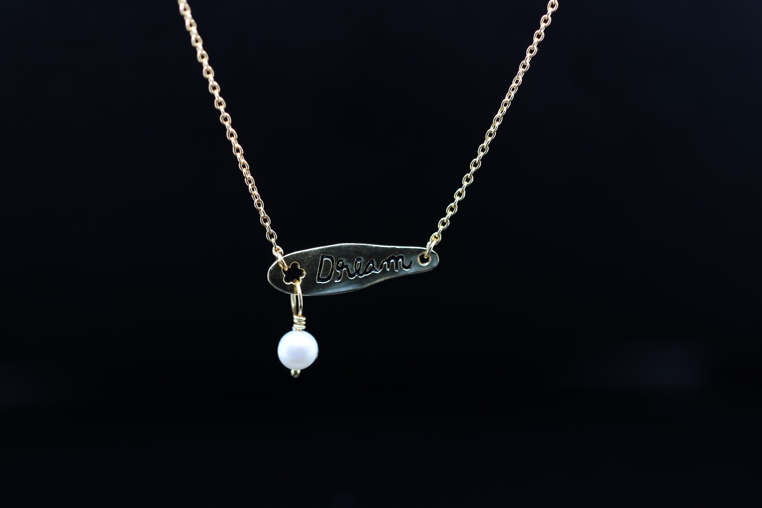 Solitaire Dream Pearl Necklace