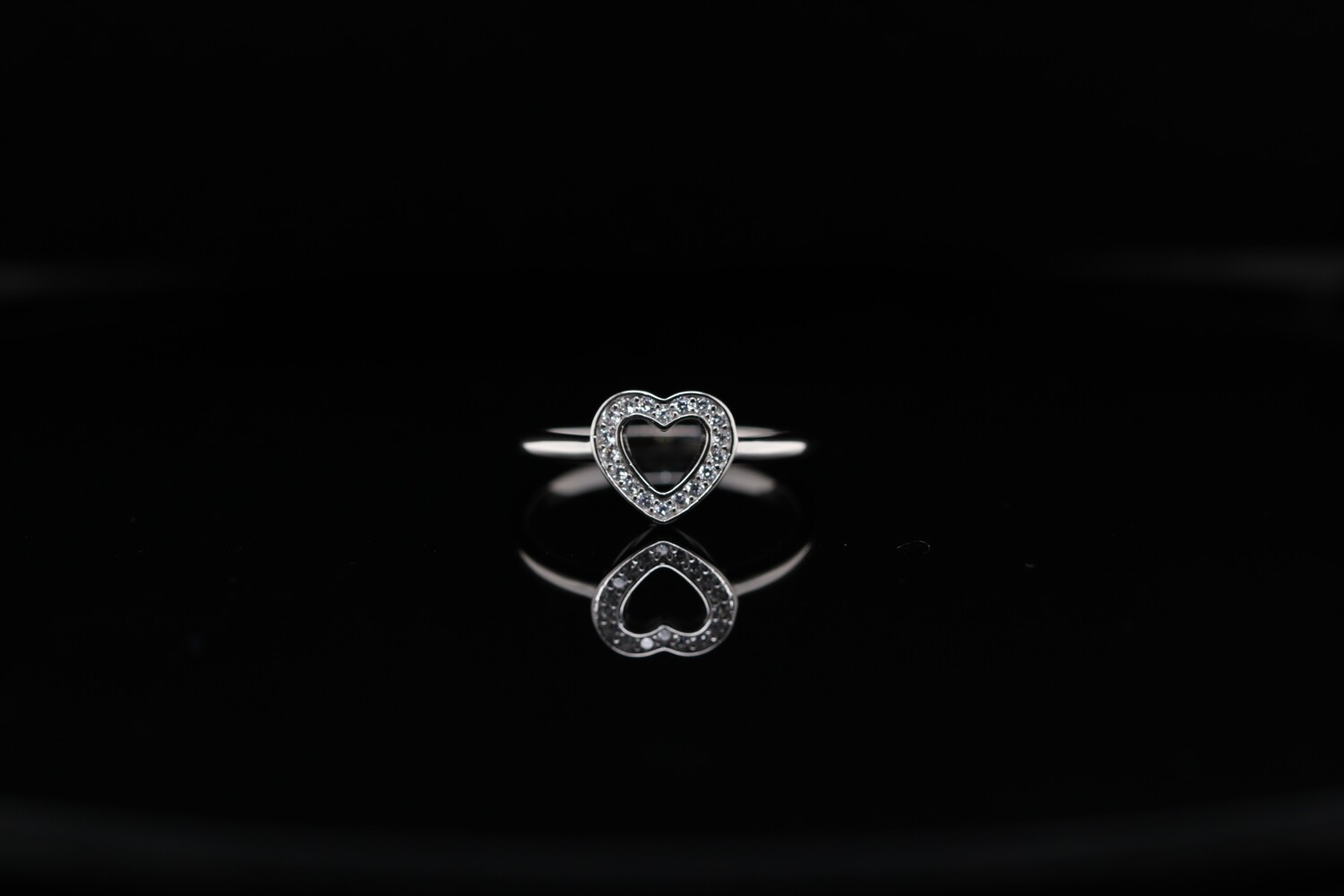 Solitaire Heart Sparkling Ring