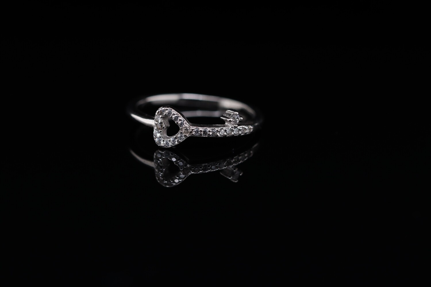 Solitaire Key to Heart Ring