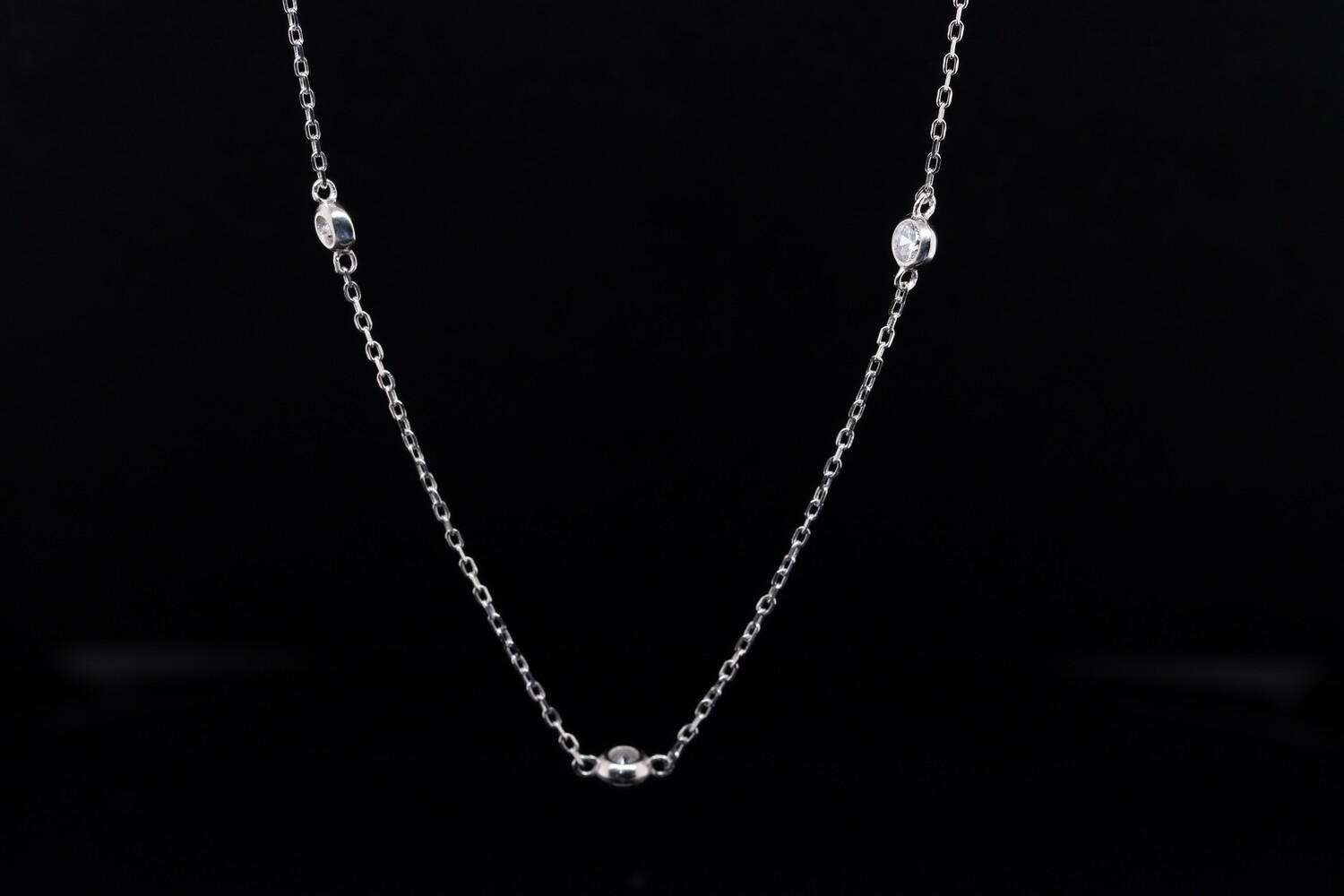 Solitaire White Silver Long Chain