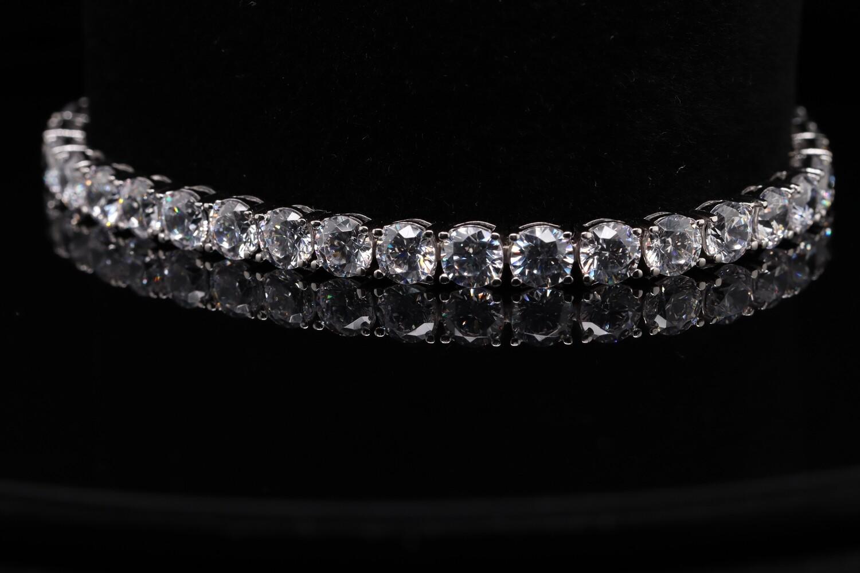 Solitaire Sparkling Pearl Bracelet