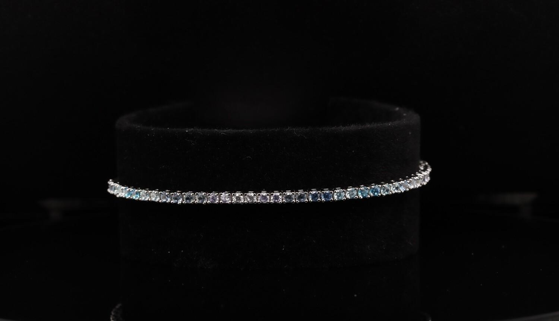 Solitaire White & Blue Bracelet
