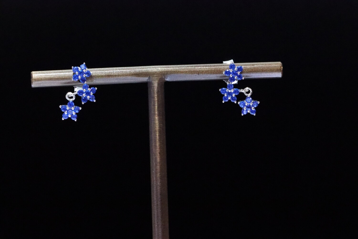 Solitaire Blue Star Earrings
