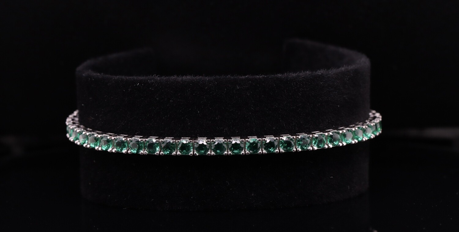 Solitaire Square Shaped Green Crystal Bracelet