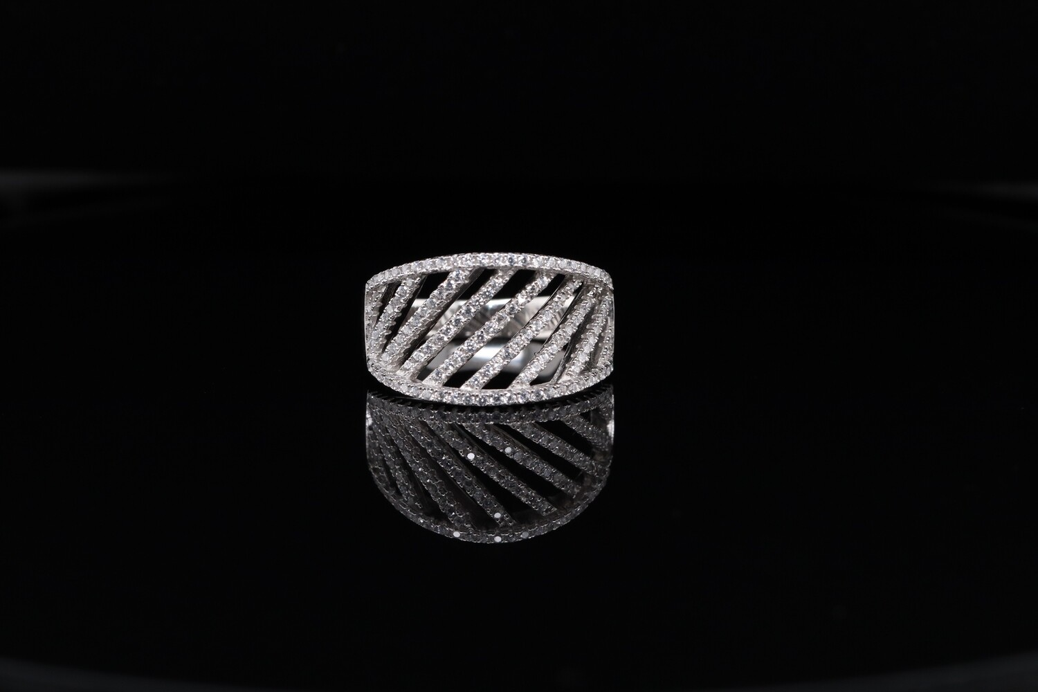 Solitaire Line Bar Ring