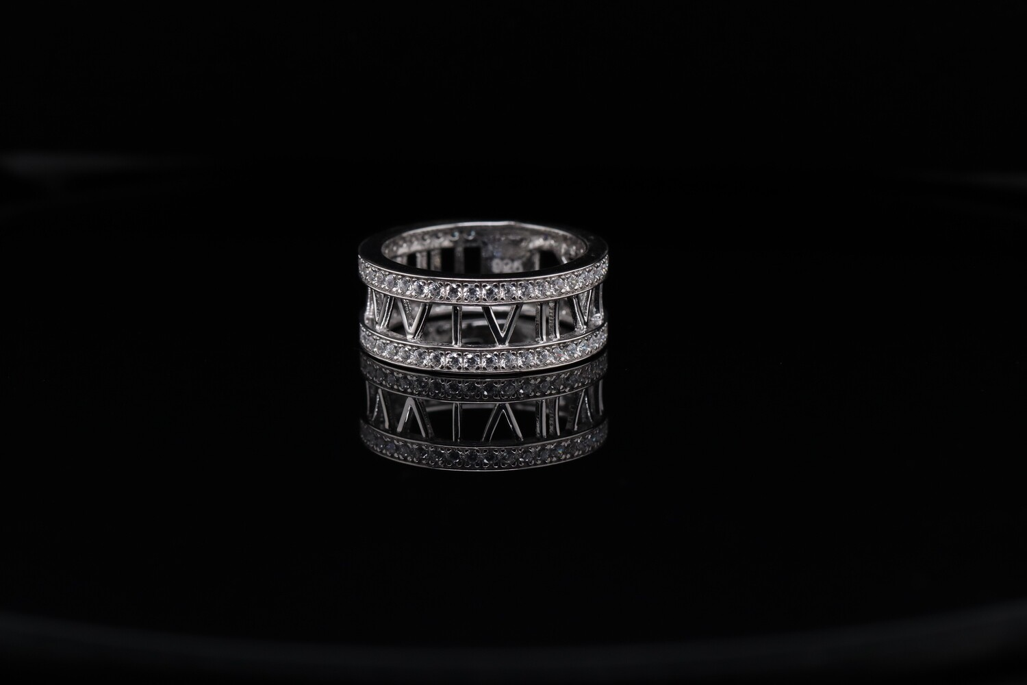 Solitaire Roman Round Rings